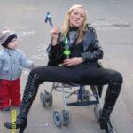 worst-mom-stroller-smoke