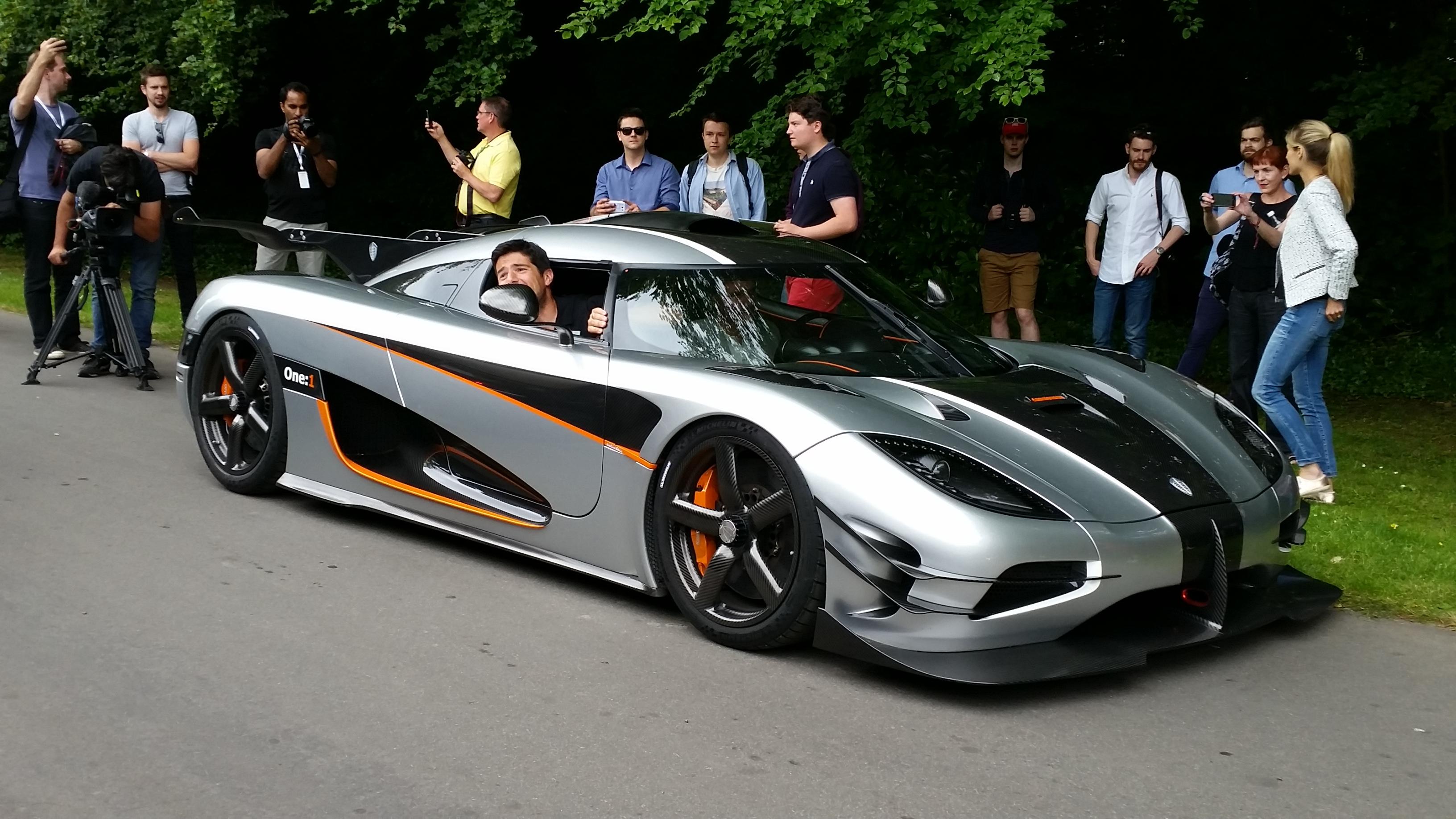 The Koenigsegg One:1 - 0-400km/h in 20 secs
