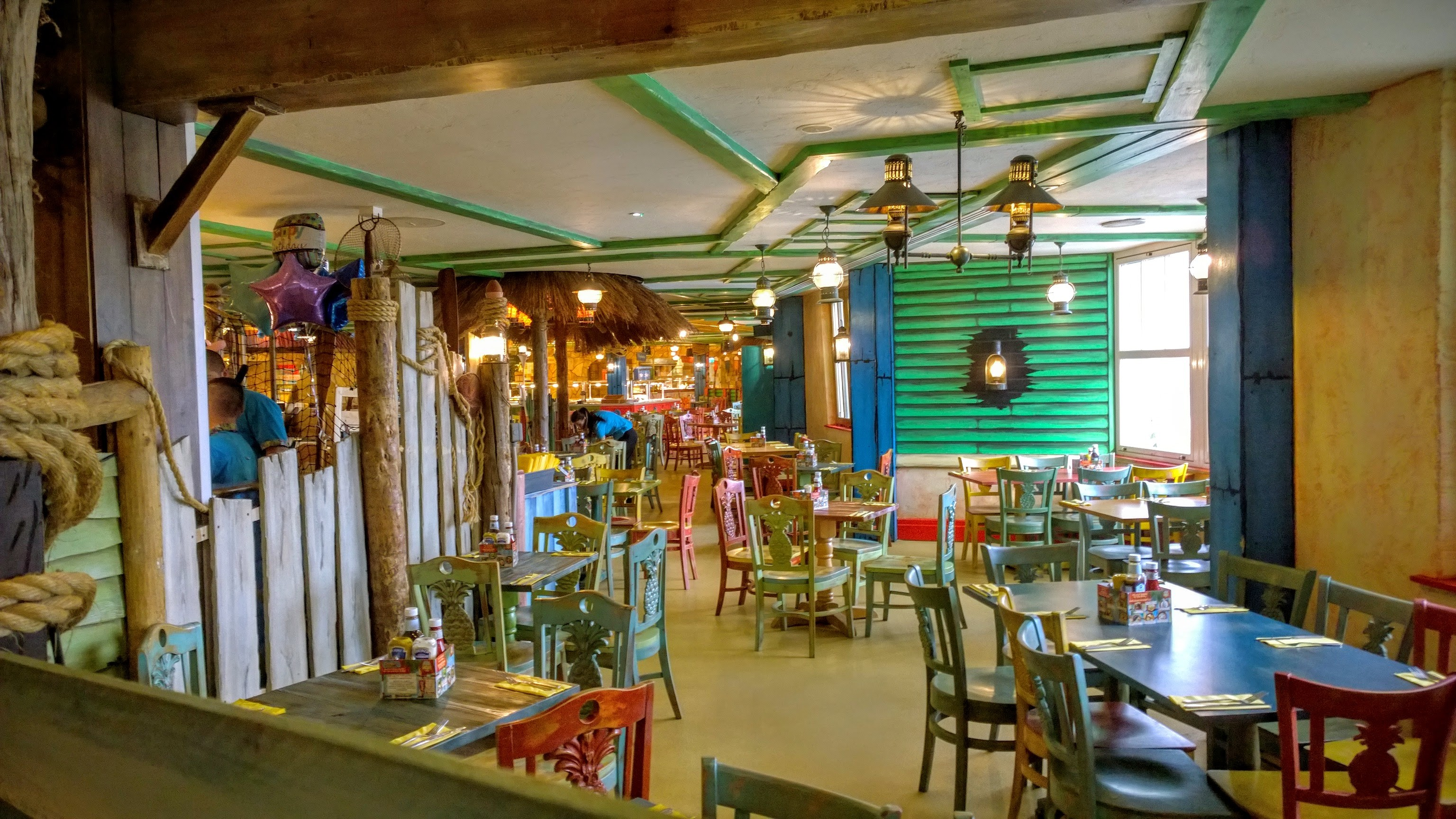 Alton towers resort hotel bargains flambos exotic feast in splash landings hotel