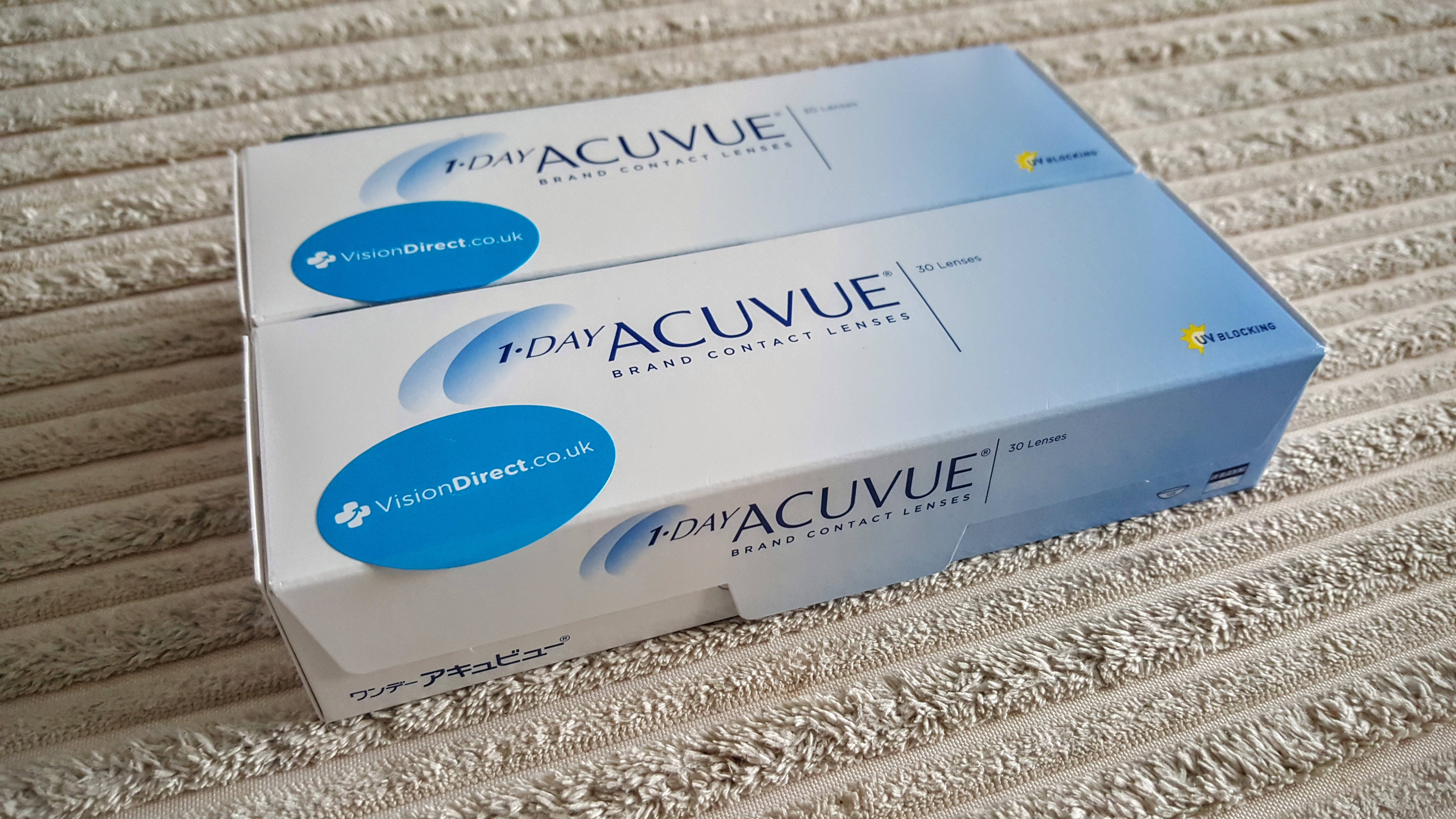 My 1 Day Acuvue Moist out of the packaging!
