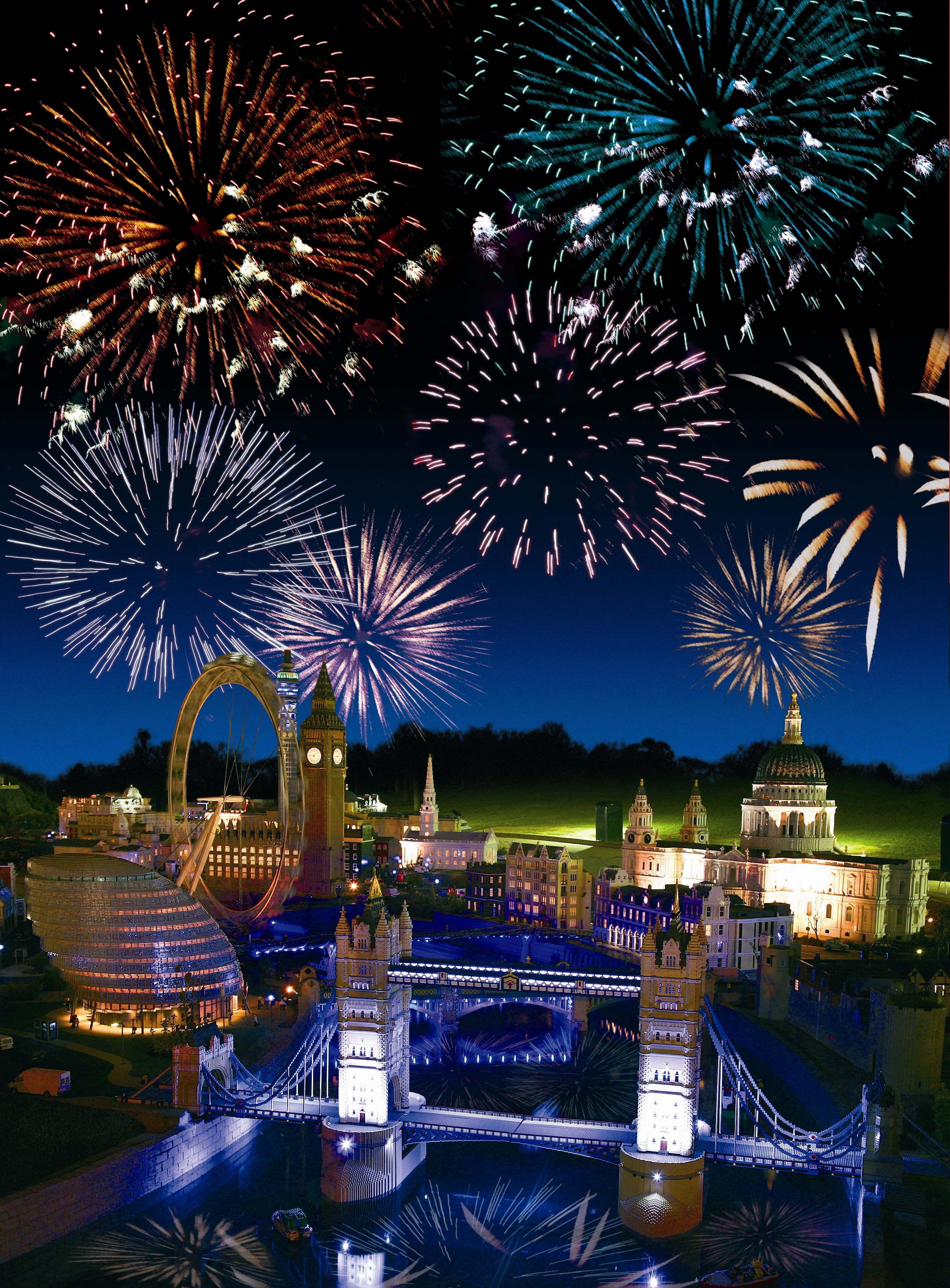 Brick or Treat Fireworks over MiniLand at LEGOLAND Wndsor Resort!