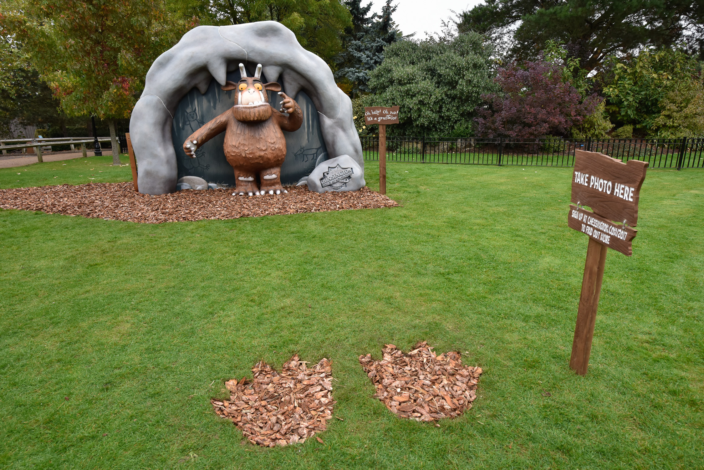Oh Help Oh No It S A Gruffalo At Chessington World Of
