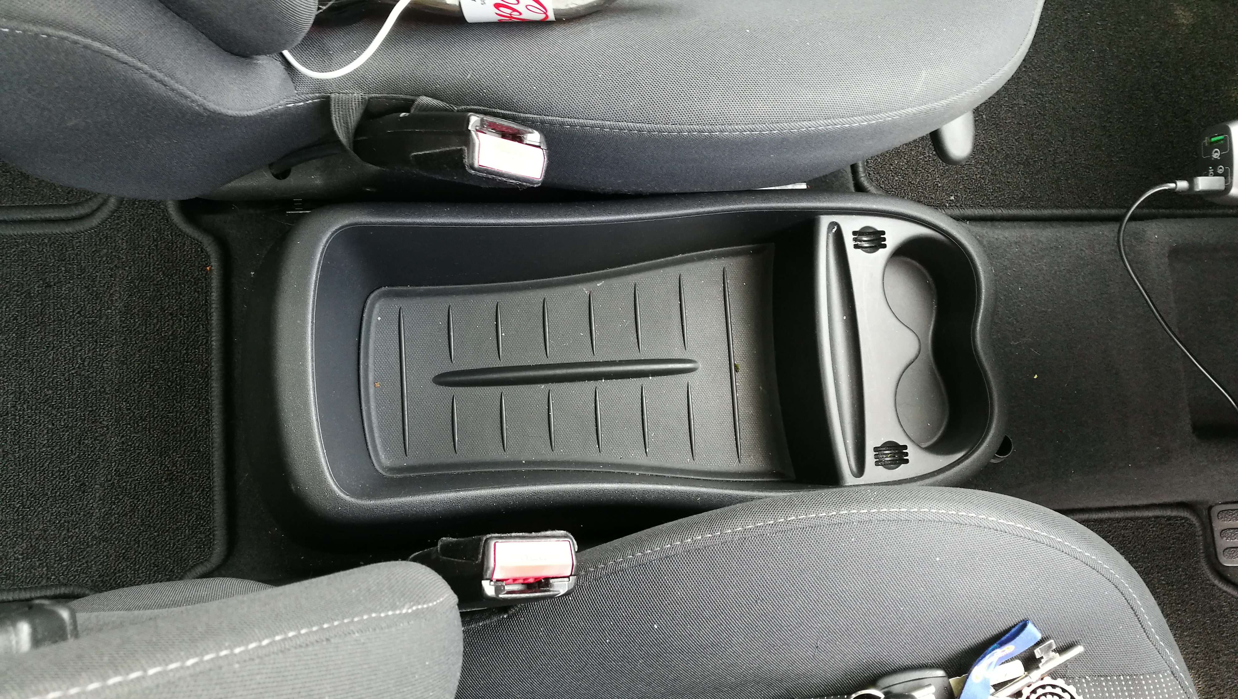 How To - Fit A Sliding Armrest Into A Renault Scenic