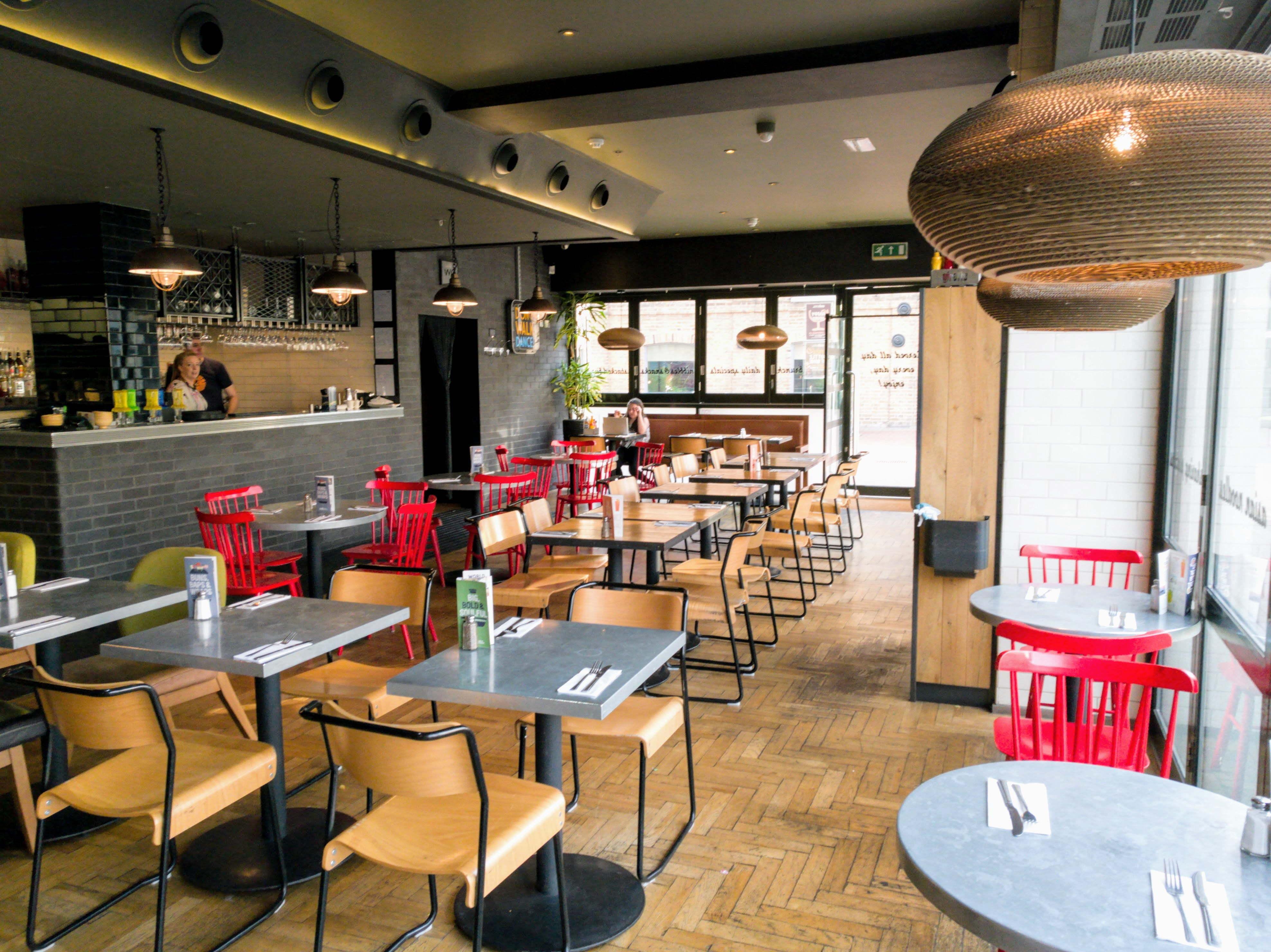 Inside Giraffe World Kitchen, Chelmsford